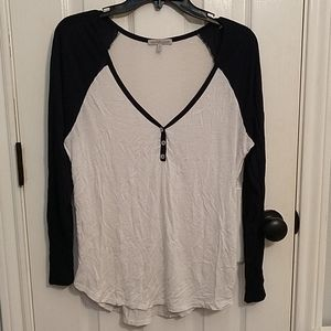 Charlotte Russe | Long sleeve, V neck shirt
